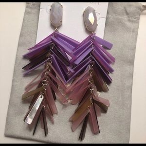 Kendra Scott Justyne beautiful earrings.
